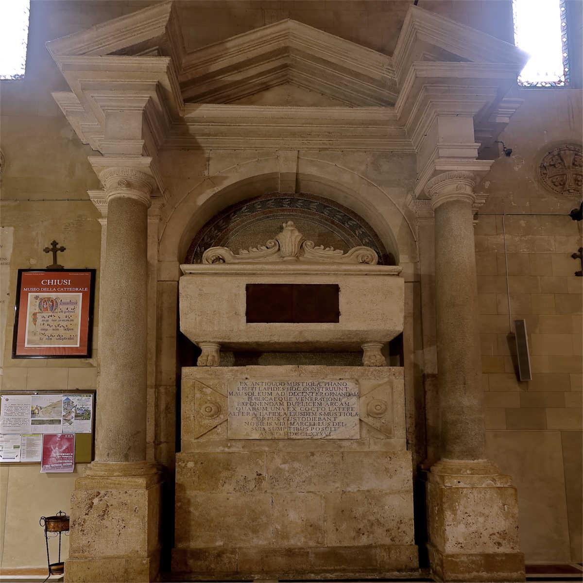 cenotafio-santa-mustiola